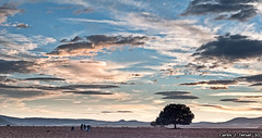 Todos contra uno (Carlos J. Teruel) Tags: sunset espaa atardecer nikon paisaje murcia nubes 2010 d300 caravaca xaviersam fotoencuentrosdelsureste