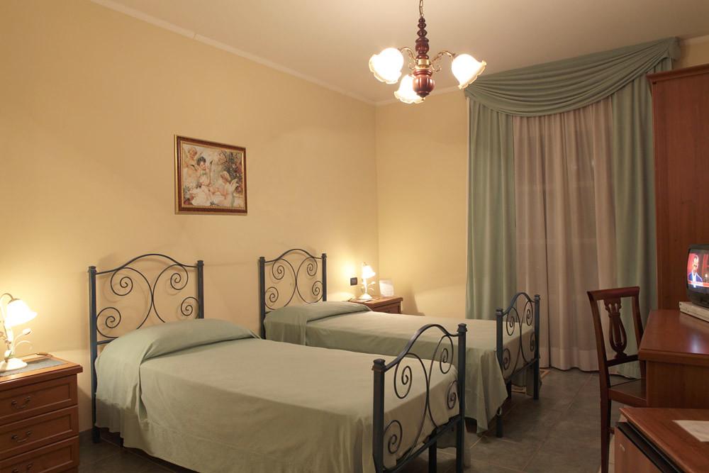 camera doppia con due letti separati