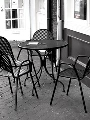 Fells Point - b&w (karma (Karen)) Tags: bw chairs maryland baltimore tables fellspoint