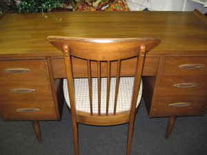 Broyhill Sculptra Desk