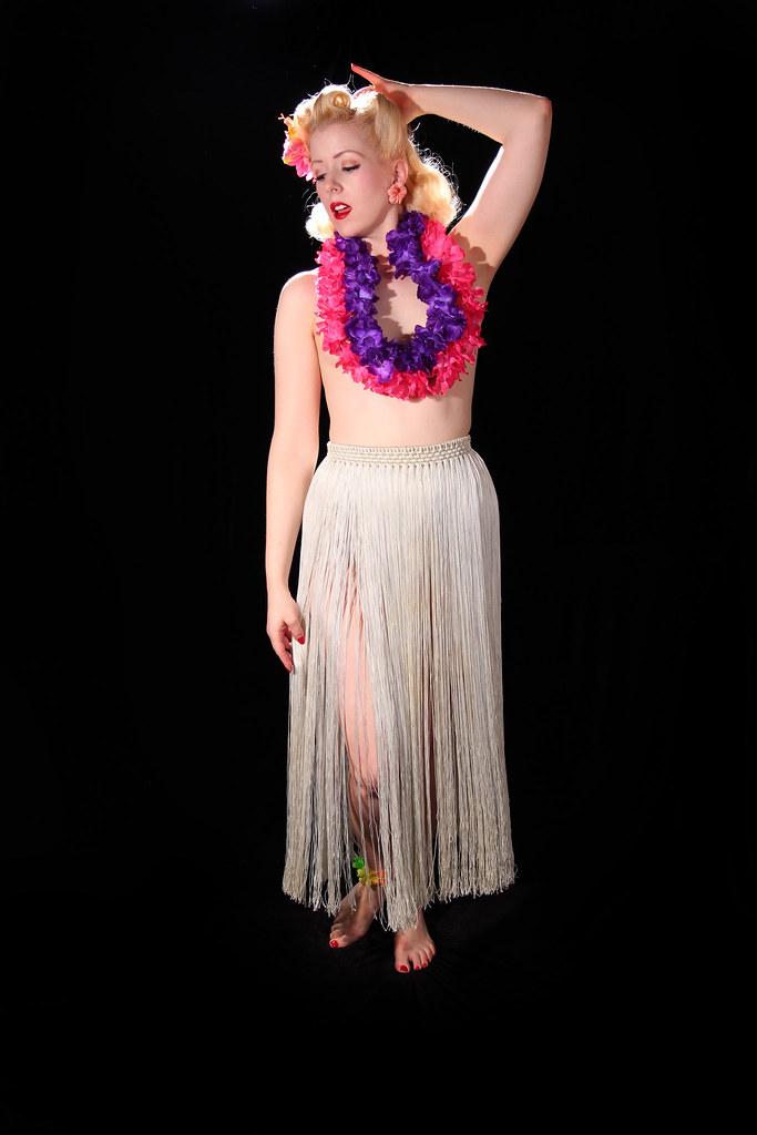 topless-hula-dancer-pics-girls