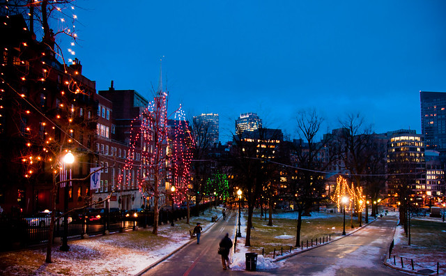 Festive Boston Common [EOS 5DMK2 | EF 24-105L@24mm | 1/10 s | f/4 | ISO800]
