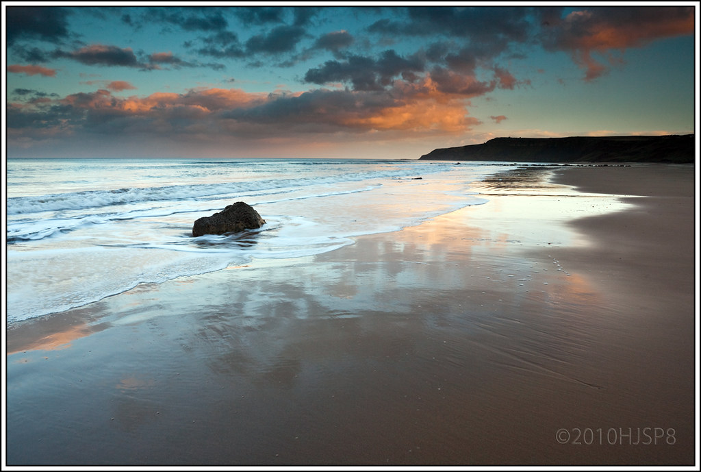 Cayton Bay Beach A Superbly Sunny Place In North Yorkshire
