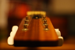 Guitar (hobbitbrain) Tags: keys 50mm dof guitar depthoffield acoustic strings f17