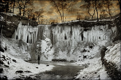 frozen minnehaha falls minnesota (Dan Anderson (dead camera, RIP)) Tags: winter cold ice water minnesota creek frozen minneapolis falls waterfalls twincities mn minnehaha minnehahafalls songofhiawatha