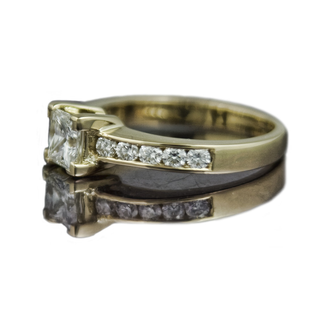 PRICE OF ENGAGEMENT RINGS