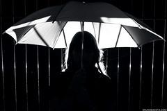 Karoline Stadler (Germany) (baketa) Tags: shadow portrait woman girl beauty silhouette riodejaneiro canon germany model rj retrato sigma sombra german alemanha umbrela grrl silhueta sombrinha alemã alema baketa t2i brunomendes brunobaketa karolinestadler
