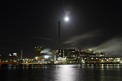 Yara-1 (angelo vlassenrood) Tags: industry water night canon eos steam heat 7d industrie 24105 sluiskil nachtyara