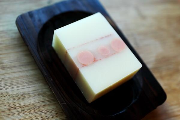 粉紅石泥皂