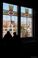 Ventanas (SantiMB.Photos) Tags: barcelona espaa window ventana silhouettes personas artnouveau persons siluetas modernismo catalua santpau domnechimontaner 2tumblr sal18250 2blogger
