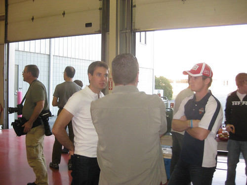Will Power and Dan Clarke chat with a lucky fan