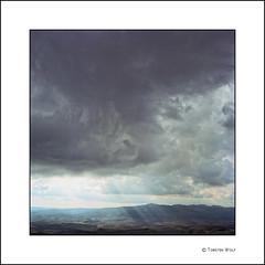San Gimignano VI (Torsten Wolf) Tags: italien italy sunlight film clouds rollei rolleiflex zeiss kodak scanner f carl tuscany epson 28 portra planar toskana 80mm 160nc v750 betterscanning
