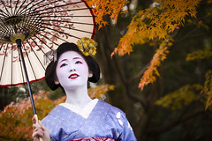 November songs #8 (Onihide) Tags: portrait japan kyoto autumnleaves explore maiko sayaka gionkobu kagai