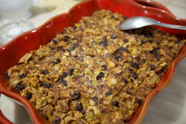 vegan thanksgiving potluck-bread pudding