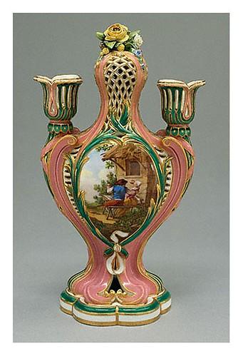 004-Detalle uno de los candelabros- 1759-Porcelana de Sèvres-decorados por Charles-Nicolas Dodin-©J. Paul Getty Trust