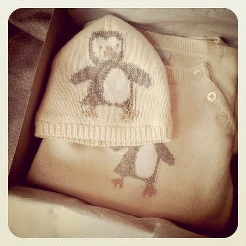 Il y a quelque chose avec le linge pour bébé...