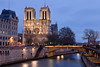Notre Dame de Paris (seryani) Tags: city light sunset paris france luz church seine night canon reflections river atardecer evening noche twilight europa europe cathedral dusk catedral notredame lumiere reflejo bluehour francia nuit nocturne anochecer cathedrale sena nocturnes noctambule canoneos5dmarkii 5dmarkii canon70200f28lll