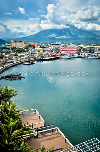 Embarcadero Lighthouse Viewdeck: Mayon Madness Take 1