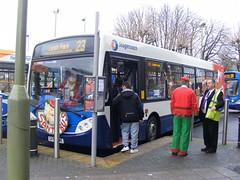 Santa Bus (PD3.) Tags: park christmas xmas uk england bus buses coach north hampshire kingston end portsmouth 300 alexander dennis leigh stagecoach fater southsea enviro psv pcv drayton adl hilsea farlington hants havant cosham gme 27553 bedhampton gx58gme gx58