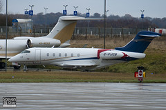 C-FJCB - 20192 - Chartright Air Inc - Bombardier BD-100-1A10 Challenger 300 - Luton - 101216 - Steven Gray - IMG_6702