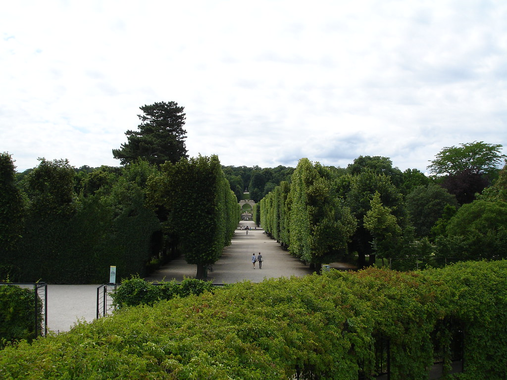 Towards the Gardens