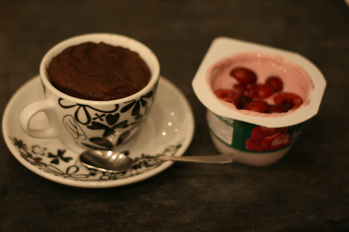 Almond Chocolate Cup-Cakes
