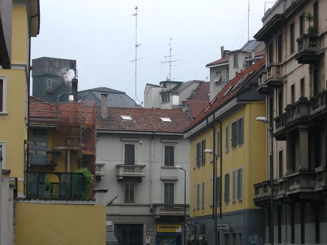 ミラノの住宅街のフリー写真素材