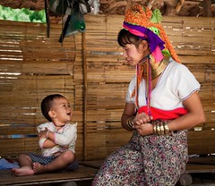 Kayan Hill Tribe Mother and Child (CanvasOfLight) Tags: portrait neck thailand long child candid hill mother culture happiness ring mai giraffe tribe chiang motherhood kayan lahwi