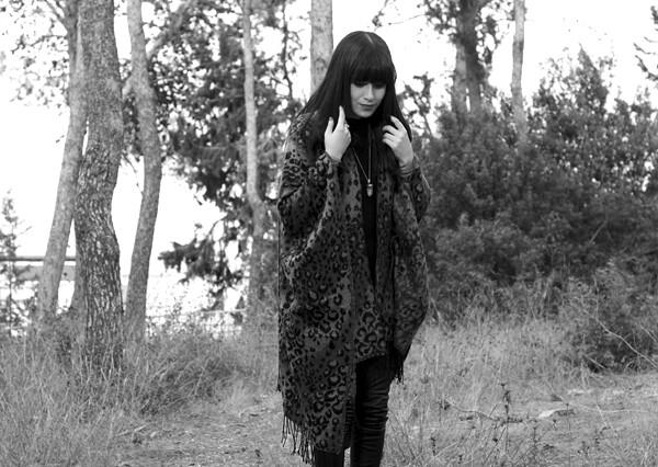 leopard_poncho2_bw