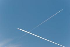 Vite che si spostano (scarpace87) Tags: blue sky fly nikon wake quote blu aircraft airplanes flight volo explore trail cielo 28 105 volare aerei scia sanvitodicadore quota aeroplani tracciato tambres