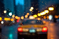 RAW, Wet & Cold (benchorizo) Tags: chicago rain weather nikon bokeh magnificentmile chicagoist banias d90