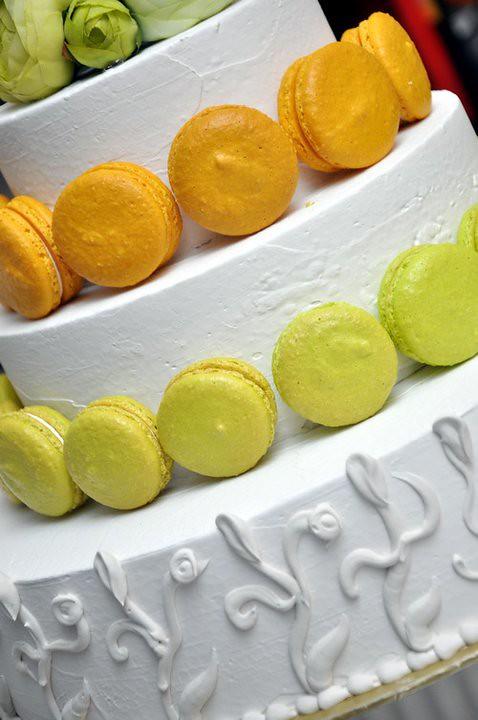macaron wedding cake1