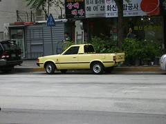 1980s Hyundai Pony Pickup (Korea Domestic) (InSapphoWeTrust) Tags: truck korea pony seoul southkorea hyundai 2008 韓國 서울 한국 대한민국 republicofkorea 大韓民國