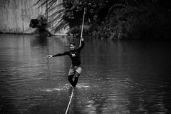 Feuerseefest in Stuttgart (Susi Supertramp) Tags: slacklife slackline stuttgart germany feuerseefest feuersee slacklining waterline turtles swan city citylife goodvibes schnemenschen clemens tobi philipp janna water lake citylake photography