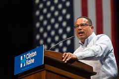 Keith Ellison (Lorie Shaull) Tags: bernie hillaryformn keithellison minnesota 5thdistrict minneapolis universityofminnesota