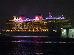Auf Wiedersehen!_Disney DREAM (Reinhard_Schuldt ( Brigitte Schuldt)) Tags: ship harbour ships hamburg cruiseship hafen schiff elbe schiffe disneydream