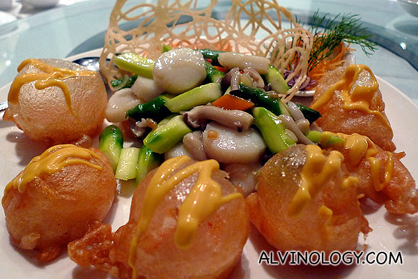 Stir-fried scallop and prawn
