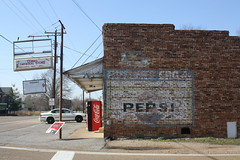 Como General Store (Adam's Journey) Tags: tennessee favorites billboards pepsicola 2010 ghostsigns canonxsi