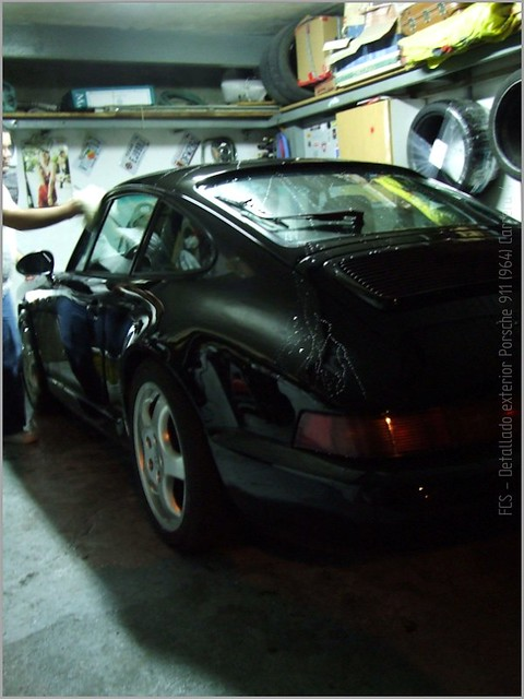 Porsche 911 Carrera 4-52