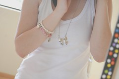 Soft life (Honey Pie!) Tags: white branco mirror necklace bow bracelet colar pulseira camiseta sheepinthesky
