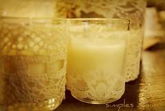 Vela (Santinha - Casas Possveis) Tags: christmas cup natal vela simple ideas decorao copo renda simples pinhas idias ornamentos candlle ormaments rendado decorchristmas casaspossveis