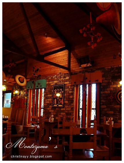 Montezuma's Mexican Restaurant: Interior