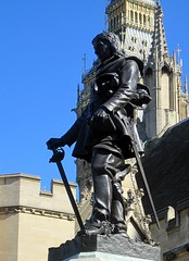 Oliver Cromwell, by Sir W. Hamo Thorneycroft R.A. (Snapshooter46) Tags: london statue housesofparliament william dictator olivercromwell lordprotector hamothornycroft