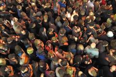 moving masses (loop_oh) Tags: jared music rock germany deutschland moving concert tour hessen nathan audience matthew frankfurt main gig band move kings leon kol musik visitors konzert caleb visitor frankfurtammain besucher frankfurtmain metropole kingsofleon followill mainhattan zuschauer tournee frankfurtam calebfollowill matthewfollowill jaredfollowill nathanfollowill blurness zuhoerer