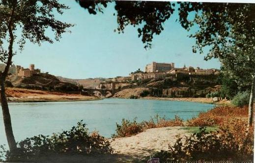Toledo desde la Playa de Safont hacia 1960. Foto de L. Arribas