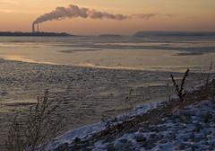 Mississippi Winter Sunset (mambolou) Tags: dru winter sunset ice illinois kevin mississippiriver alton greatriverroad mambolou