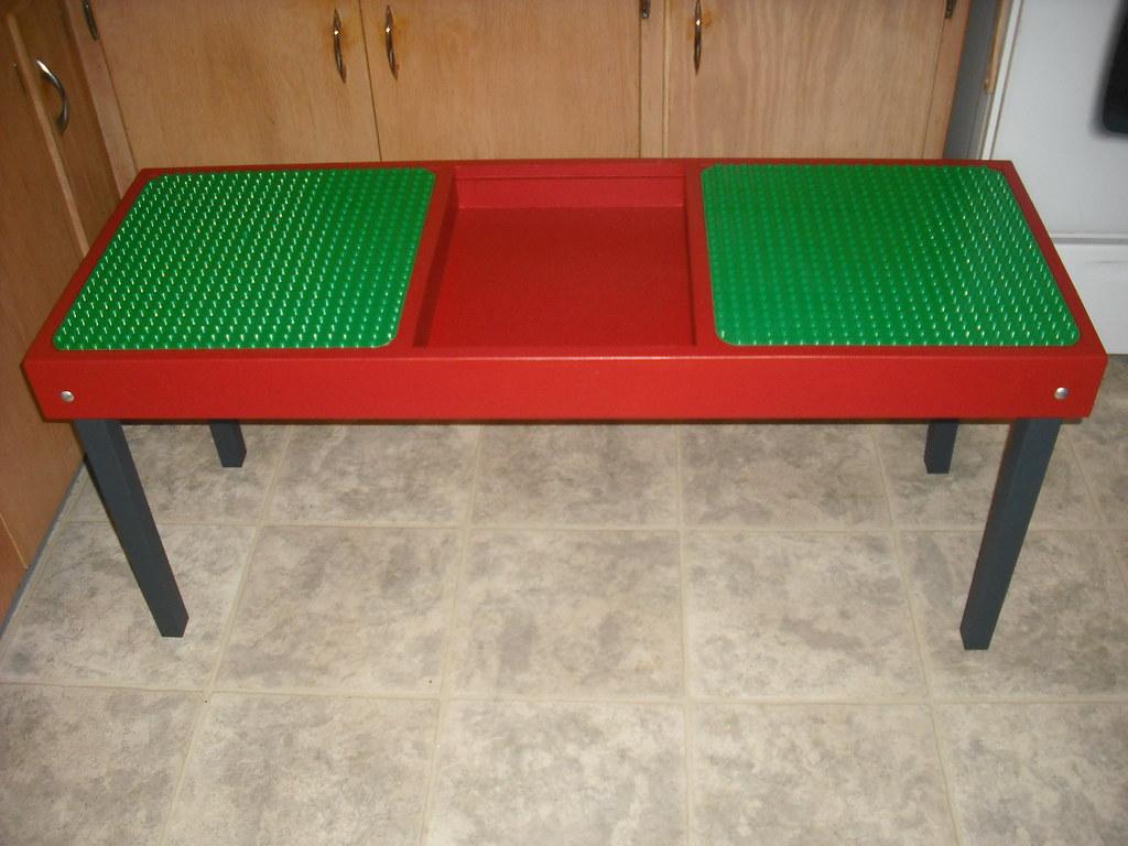 Lego Table 08