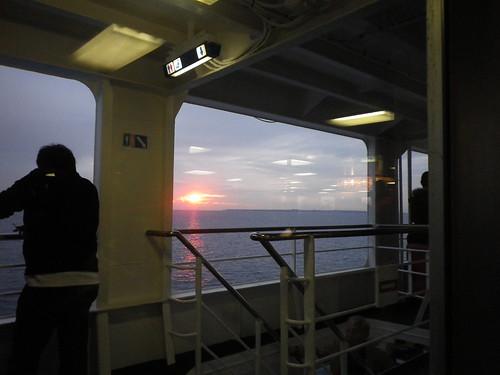 帰りのフェリーから見た夕陽
