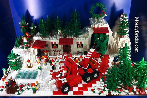 Austin, Texas LEGO Store - Christmas / Holidays Display 2010