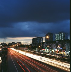 光河 (Ifitis) Tags: light sunset highway kodak portra vc 160 pentaconsix czj